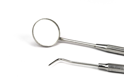 Chirurgische Eingriffe und Implantationen